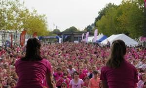 500-pitchounettes-et-1300-marcheuses-lassaut-du-cancer1