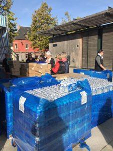 La Vannetaise 2017 - une bouteille d'eau pour chaque participante... cela fait du volume !