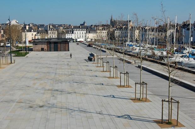 L'esplanade du Port de Vannes devient l'esplanade Simone Veil !